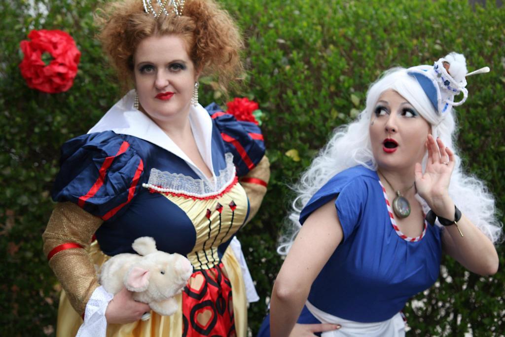 shona van beers queen of hearts and kitten von mew