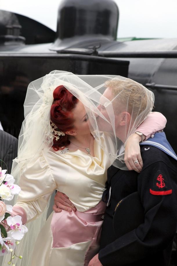vintage wedding kiss