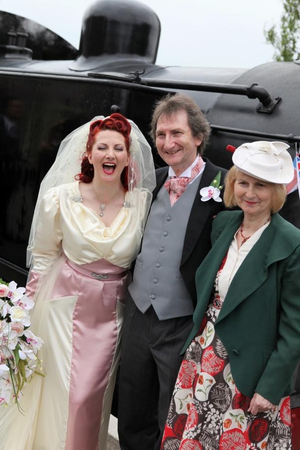 1940s steamtrain wedding