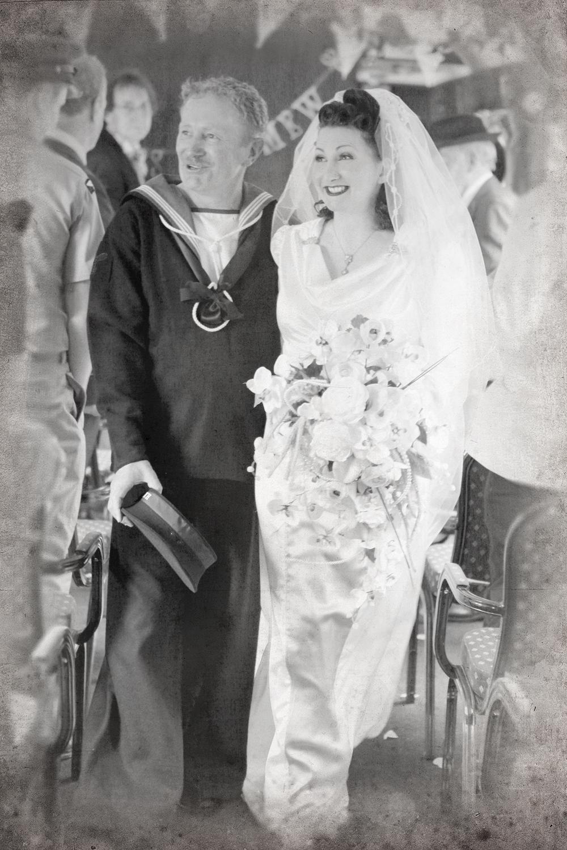 THE VINTAGE WEDDING! | 1940\'s Pin-Up Entertainer Kitten von Mew