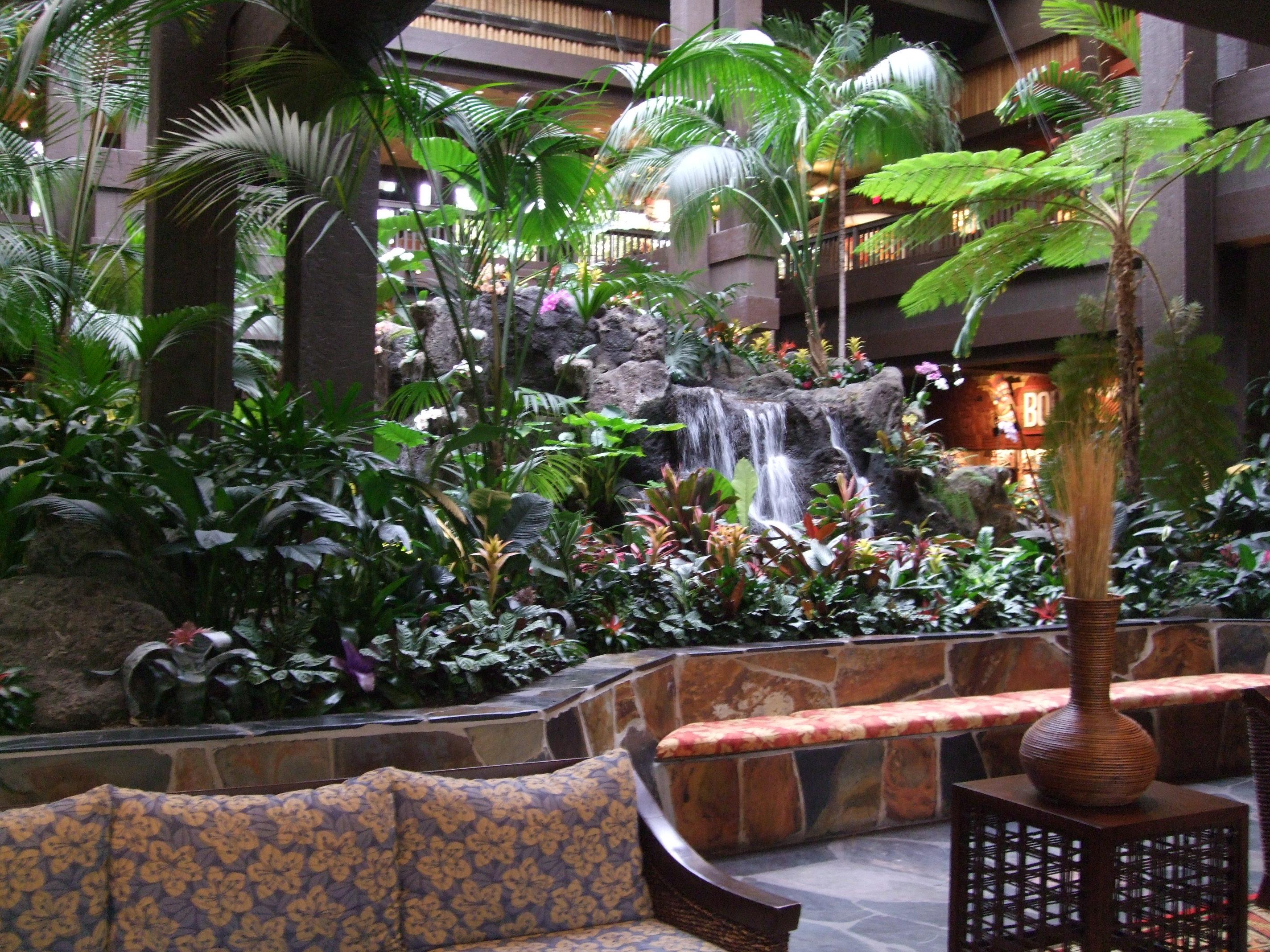 disney-polynesian-resort-foyer