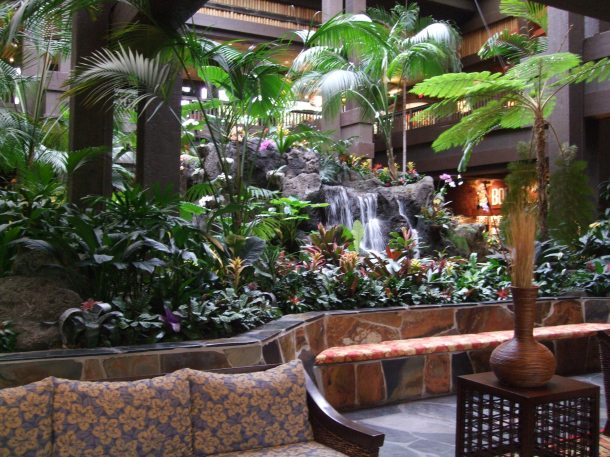 disney-polynesian-resort-foyer