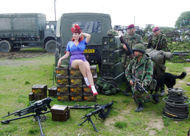 vintage-pinup-girl-war-and-peace
