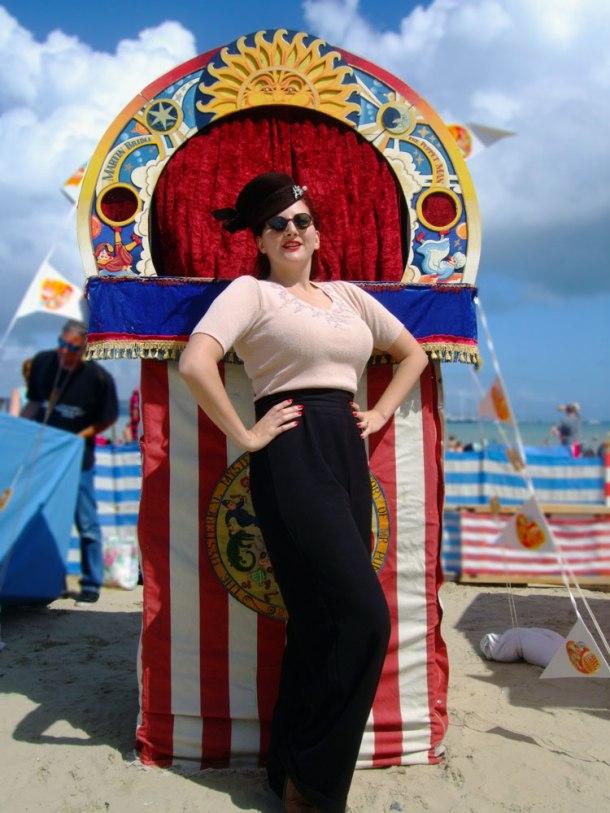 vintage-pinup-girl-weymouth