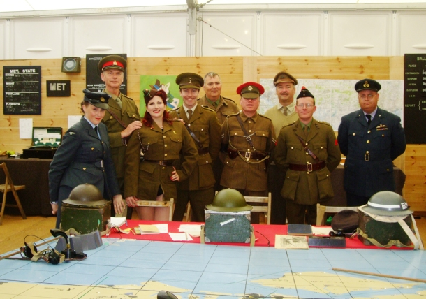 Kitten von Mew and The Garrison at Goodwood Revival