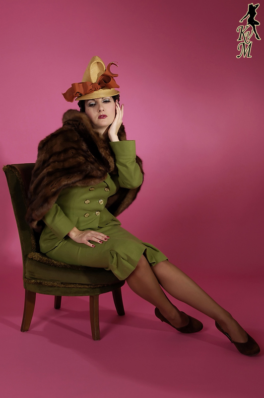 1940's Fashion Model Kitten von Mew
