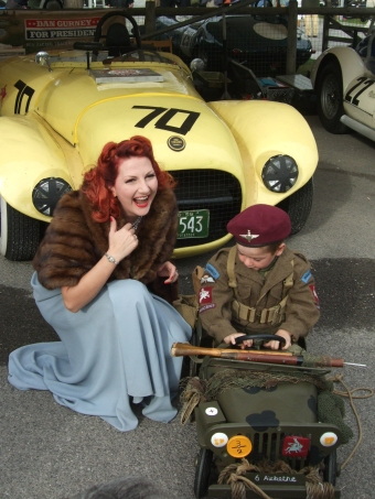 goodwood-revival-1940s-pinup-girl