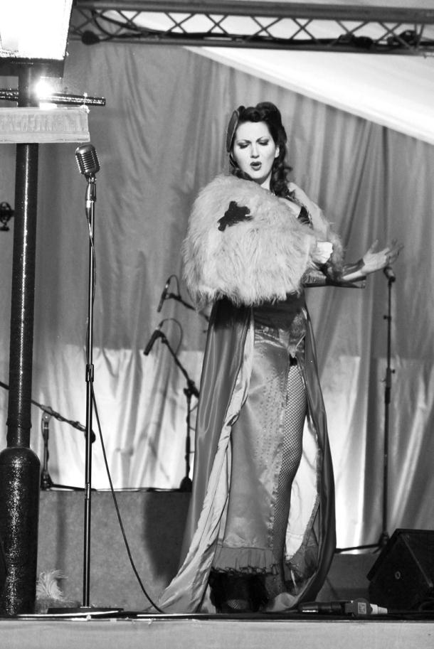 1940s-burlesque-kitten-von-mew