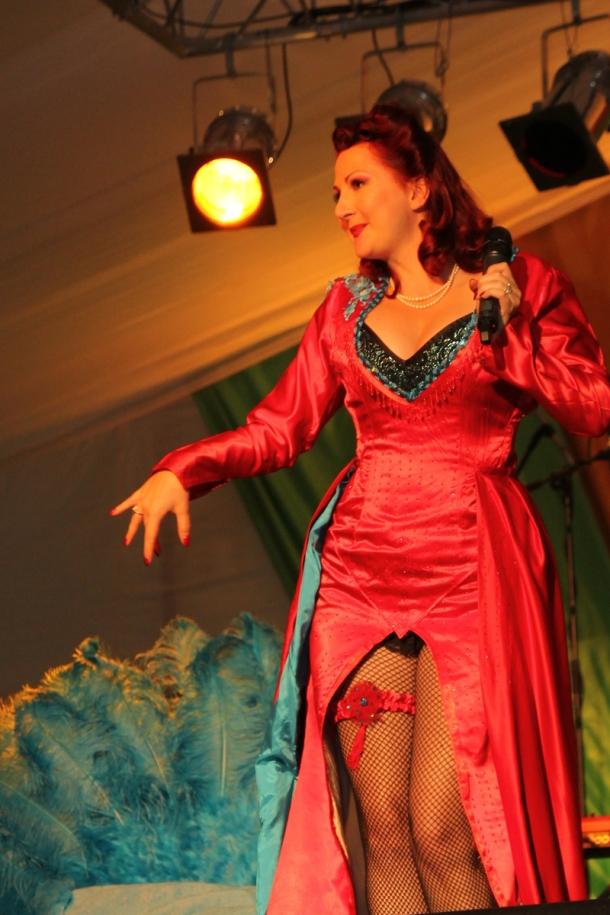 twinwood-festival-2012-vintage-burlesque