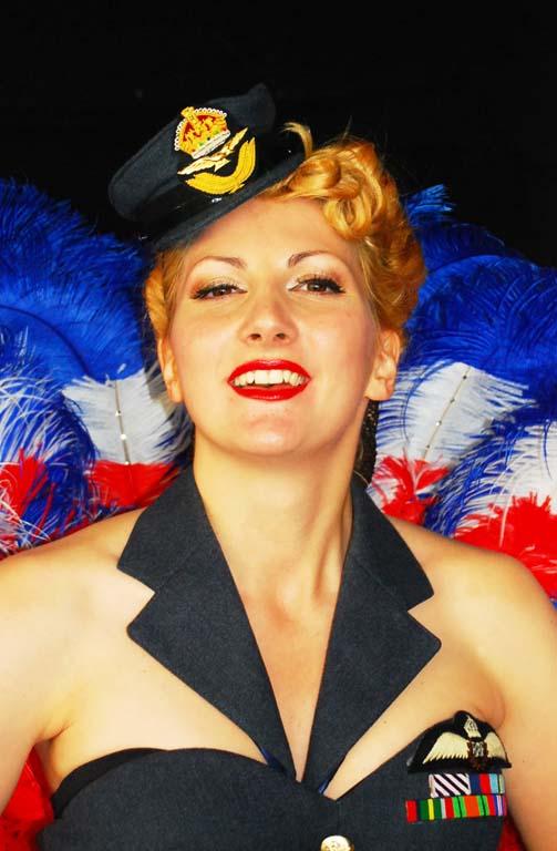 kitten-von-mew-vintage-burlesque-dancer