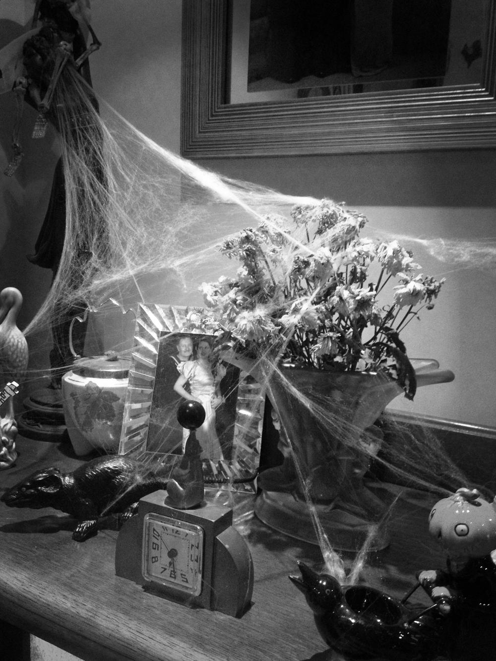 Haunted House Halloween Decorations & halloween costume   1940u0027s Pin-Up Entertainer Kitten von Mew