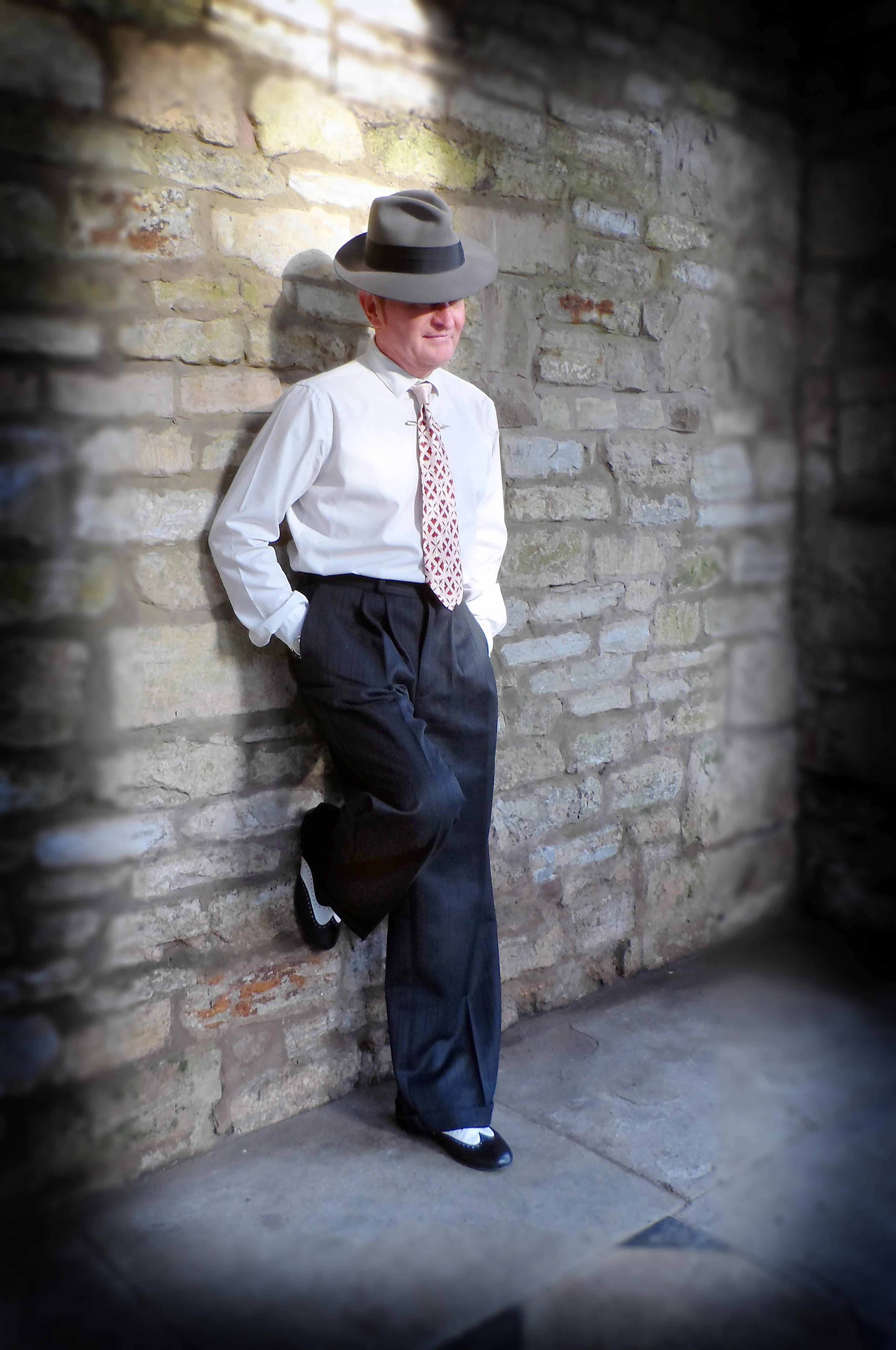 heyday-online-mens-trousers-with richard-von-mew