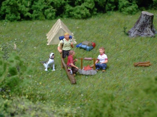 camping railway figures