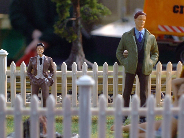 little and large railway figurines