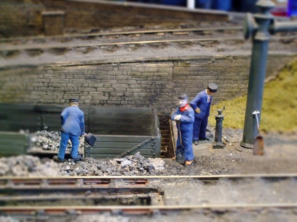 Railway-Workers-miniature