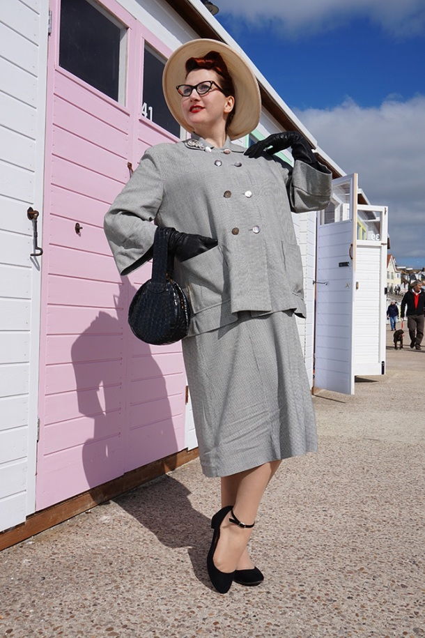 1950s Houndstooth Maternity Outfit