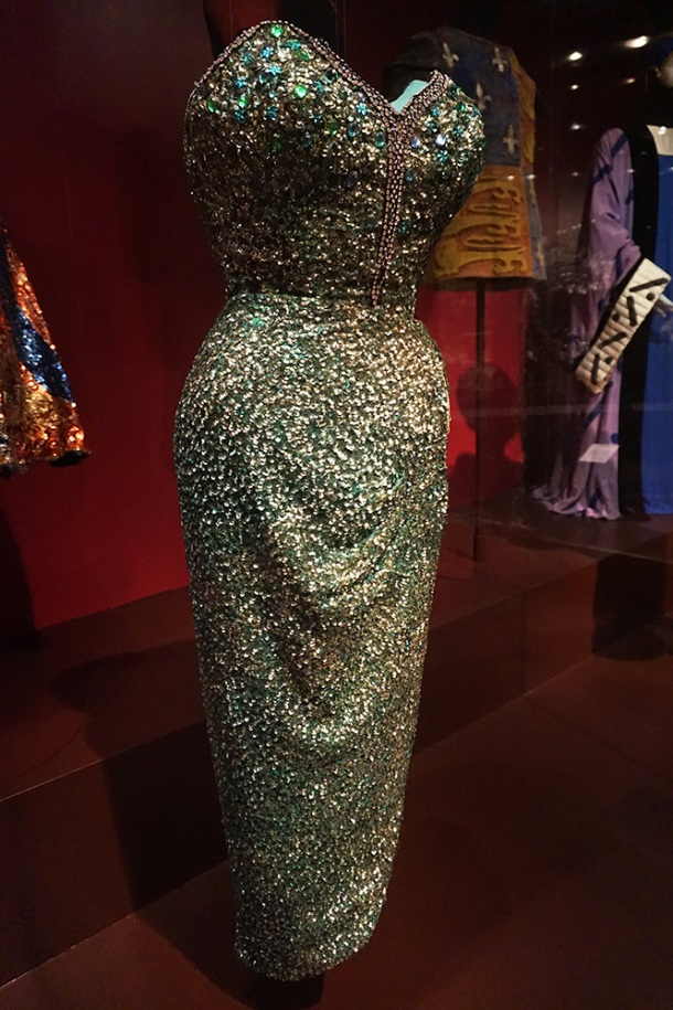 victoria-and-albert-museum-joan-rhodes-dress