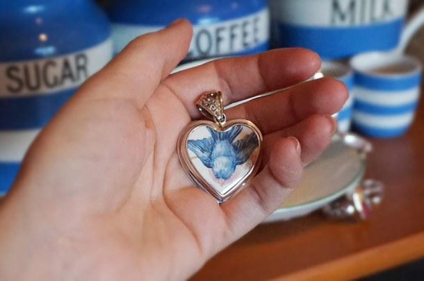 China Swallow Heart Pendant