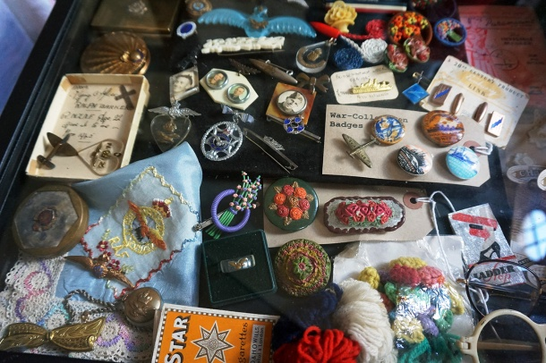 ww2 brooches and pins