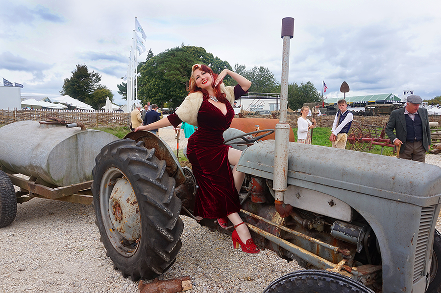 goodwood revival 40s pinup