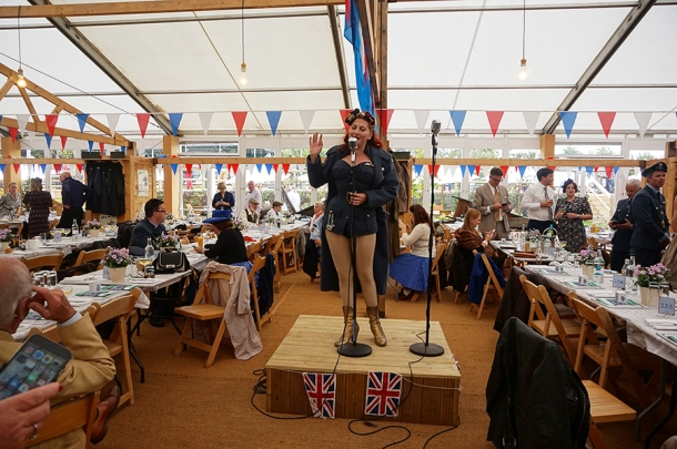 kitten von mew singing at goodwood revival