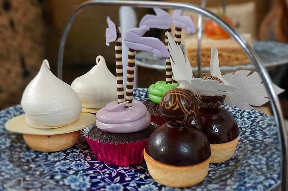 Fawsley Hall Cakes 2 web
