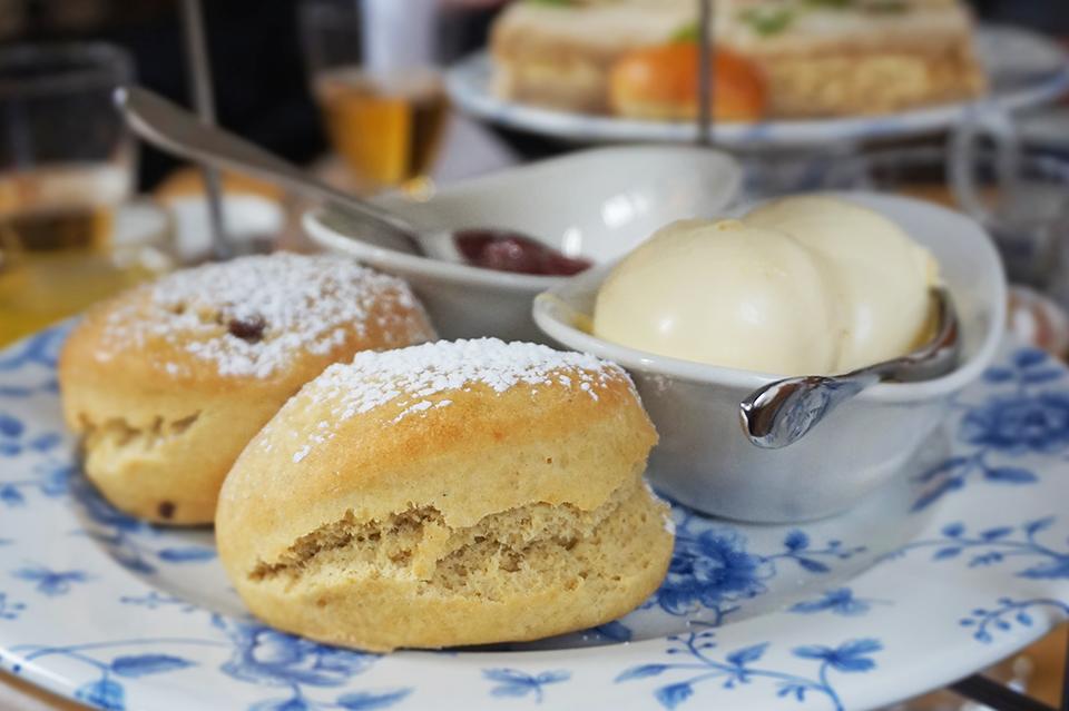Fawsley Hall Cakes 3 web